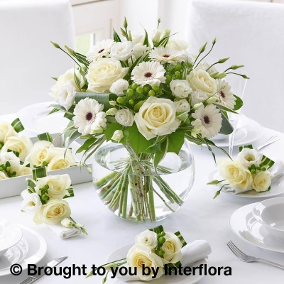 Classical Whites Floral Globe with 6 Napkin Decorations