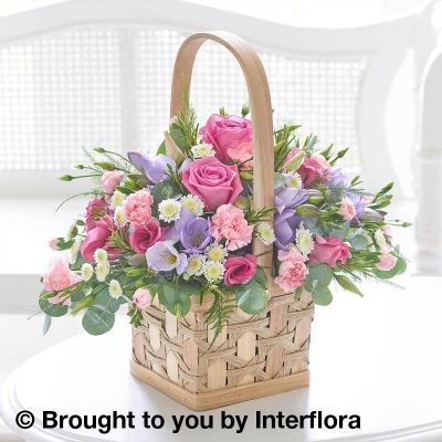 Scented Pink & Lilac Basket with 125g Maison Fougere Chocolates